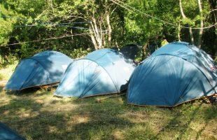 В Аскате закрыли несанкционированный детский палаточный лагерь